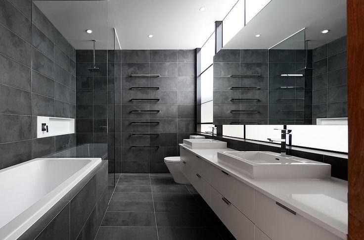 темно-серая плитка в ванной комнате