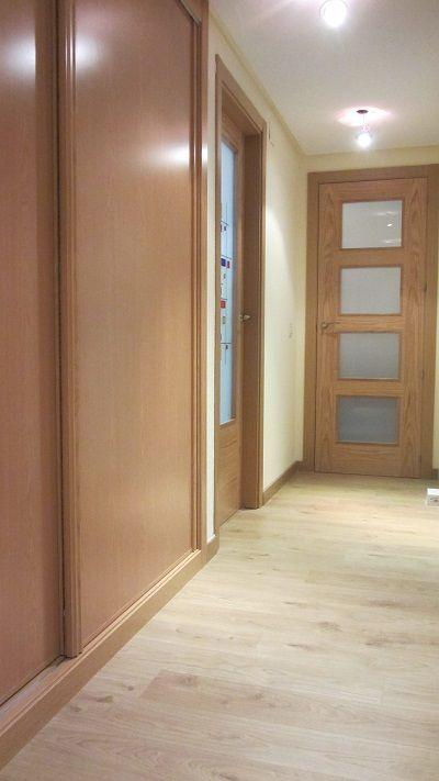 Carpinter a de roble puertas y armarios armario de - Decoracion puertas blancas ...
