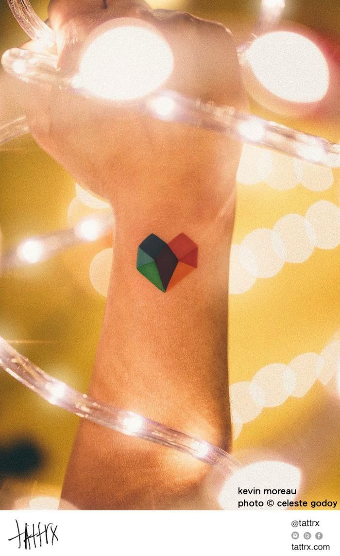 Kevin Moreau Tattoo - photo by Celeste Godoy - Corazon de Colores - Color Heart for Andrea