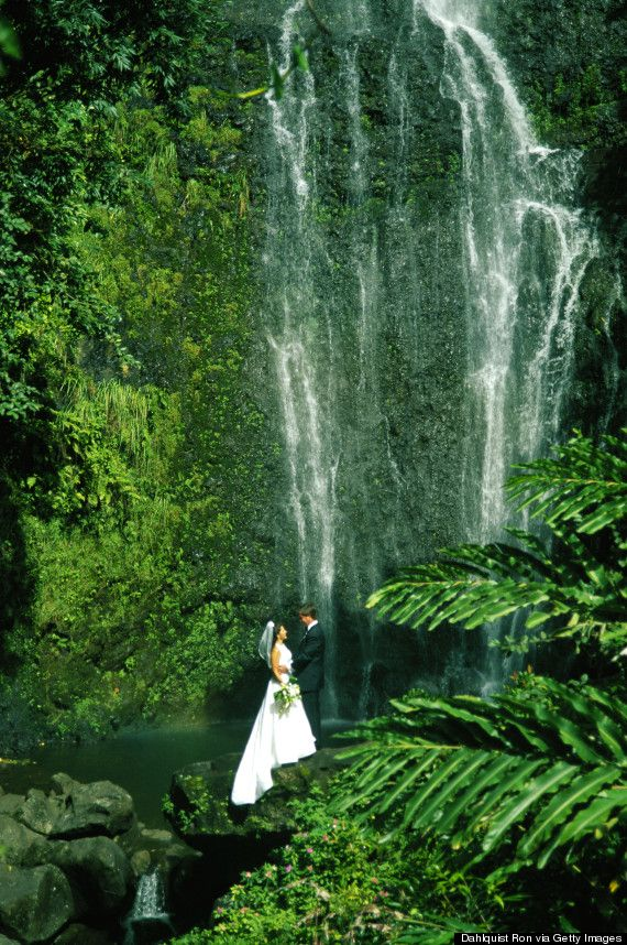 6 Breathtaking Places To Get Married In #Hawaii (That Aren't The Beach)