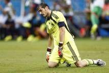 Chủ tịch Perez, Iker Casillas và người đại diện Carlo Cutropía đã chốt được thời hạn thủ môn số 1 ĐT Tây Ban Nha rời Bernabeu. Theo tờ AS, s...  http://ole.vn/bong-da-anh.html http://ole.vn/lich-phat-song-bong-da.html http://ole.vn/xem-bong-da-truc-tuyen.html http://xoso.wap.vn/ket-qua-xo-so-mien-bac-xstd.html http://giamcaneva.com