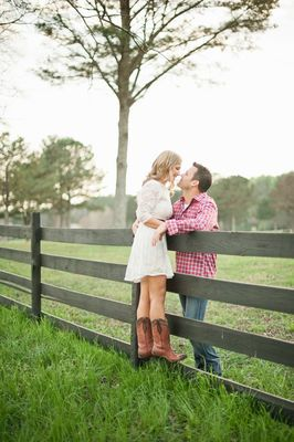 It's all about the engagement today. Next up we have one of our Hand-Picked Vendors, Jeremy Harwell with a completely cute outdoor country engagement session.  Chris and Danielle are having very classic San Francisco wedding. Getting married at ...