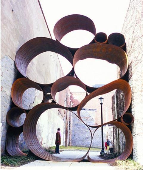 one of dewitt godfrey's steel banded sculptures in pamplona, spain back in 2006.  @chokokuka #dewittgodfrey #designboom #sculpture