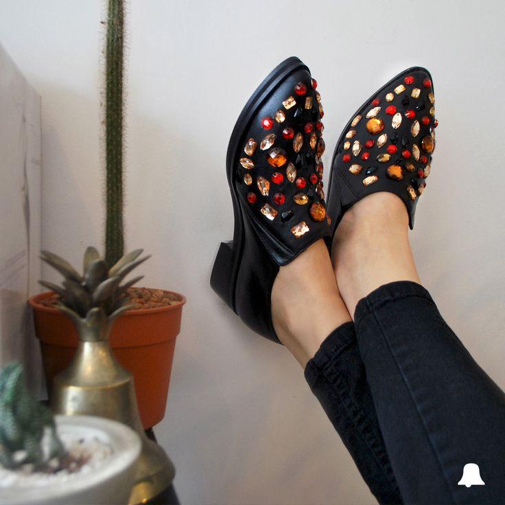 ·NOW IN STORE·  ¡Volvió nuestro clásico Jean NICOLE Black! Combinalo con la exclusiva selección de #BellmurShoes con súper #SpecialPrice.