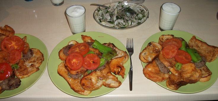 yemek tarifleri ıslama köfte  http://www.facebook.com/photo.php?fbid=10151239798844934=a.10151227743529934.469062.210102819933=1