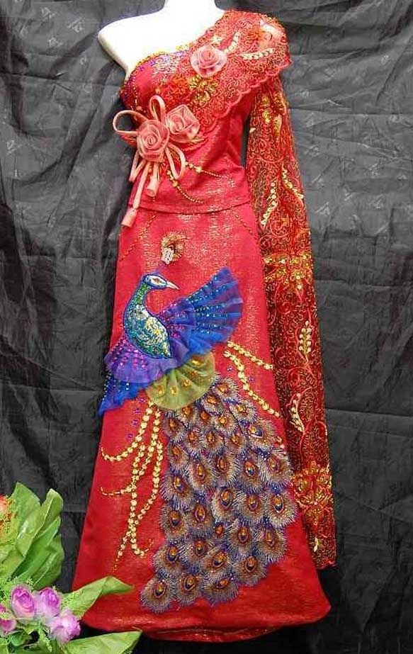 17 best images about exotic wedding dresses on pinterest for Laos wedding dress for sale