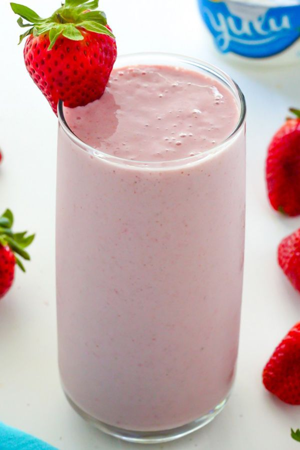 STRAWBERRY VANILLA SMOOTHIE - (17 Delicious Smoothies Made With Strawberries) Strawberry smoothie, strawberry smoothie recipe, vanilla smoothie, strawberry smoothie recipe without yogurt, strawberry smoothie with vanilla.