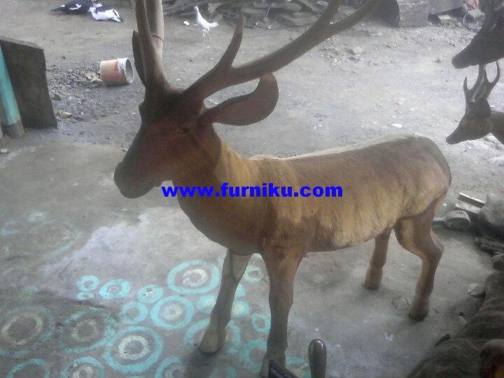 Full body deer wood carving at www.furniku.com