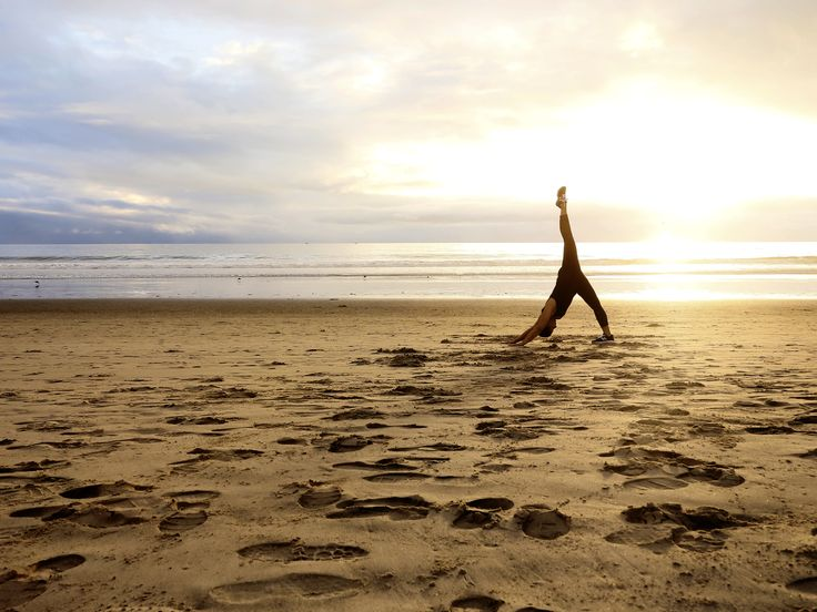 One leg downward facing dog #yoga