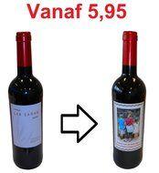 De rode wijn met eigen etiket, leuk als bijzonder bedankje voor iemand die bijvoorbeeld met pensioen gaat.