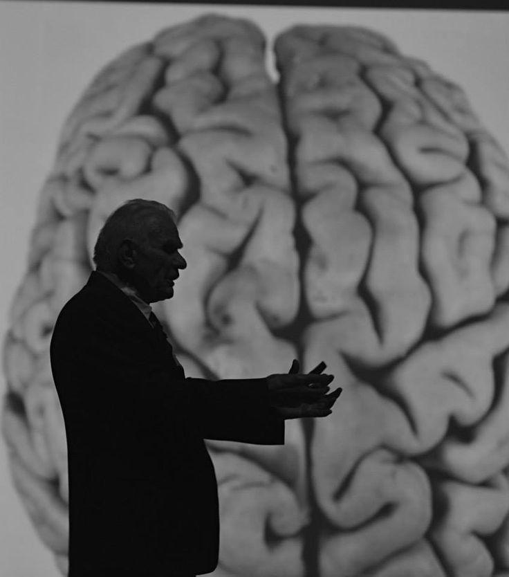"""Ege Üniversitesi'nin bu yıl ki açılış dersini """"Bilimlerin Evrimi"""" başlıklı konuşması ile değerli bilim insanı; Prof. Dr. Gazi YAŞARGİL verdi."""