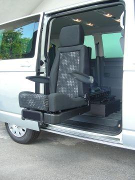 D-Tran è l'innovativo sistema di trasferimento in auto del passeggero disabile, proposto dall'azienda Guidosimplex per permettere alla persona in carrozzina di salire in auto in modo comodo e sicuro