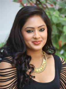 nikesha patel to go for live in relationship