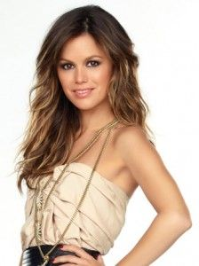 Rachel Bilson Hairstyle, Makeup, Dresses, Shoes and Perfume.