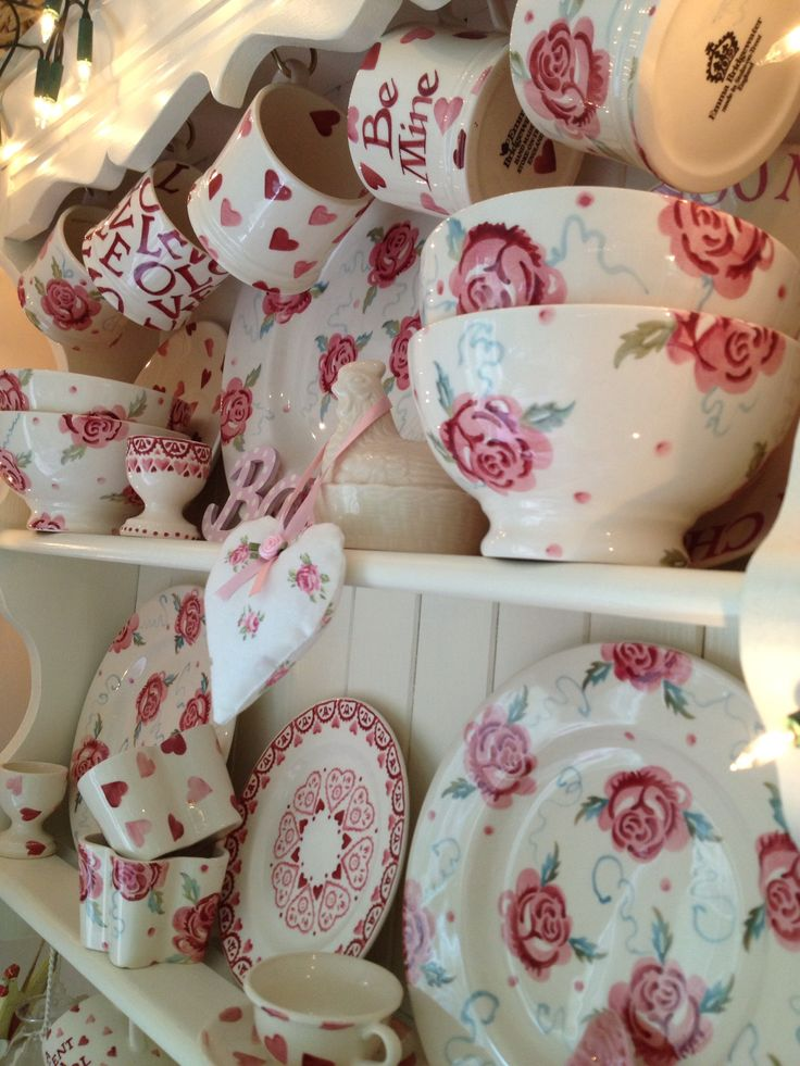 Sweet Country Life ~ Simple Pleasures ~ Country Kitchen ~ Emma Bridgewater pink dresser - LOVE this one!