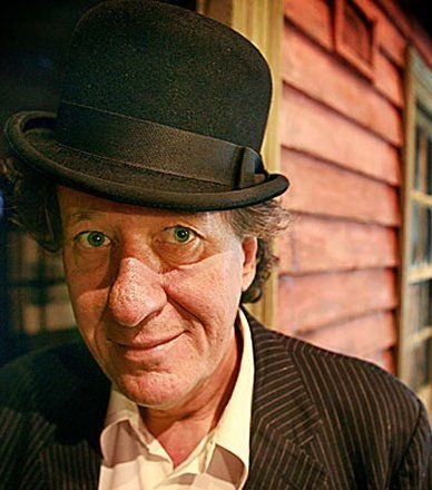 Geoffrey Rush in an Old Timey Hat! :)