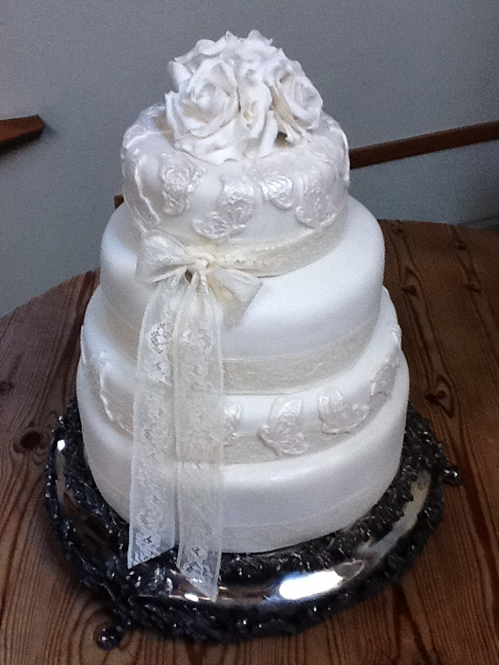 Rose and Butterfly wedding cake