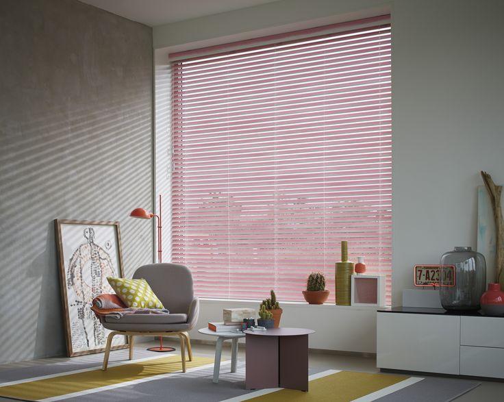 Luxaflex® Houten Jaloezieën   Natuurlijke warme sfeer in uw huis
