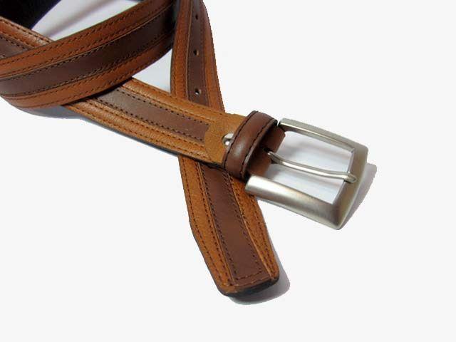 #Cinturón #Piel combinado para caballero. Cinturón de vestir en dos tonos marrón. 3cm de ancho perfecto para traje o pantalón pinza. Cómpralo en www.manosesmas.com