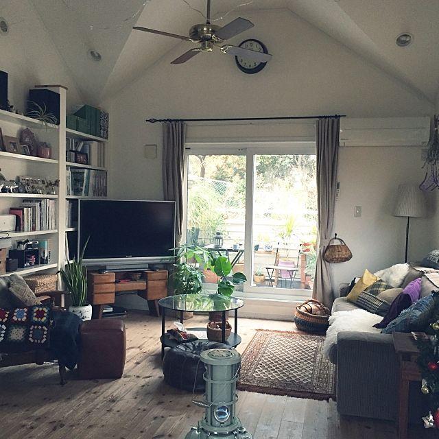 junさんの、Overview,観葉植物,本棚,IKEA,ラグ,シーリングファン,模様替え,プフ,アラジンストーブ,NO GREEN NO LIFE,植物のある暮らし,定点観測についての部屋写真