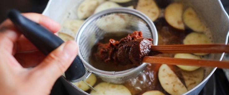 ごはんに味噌汁の組み合わせ。和食の定番ですね。 味噌汁を口にしたとき、ほっこりとした安らぎや温もりを感じるので…