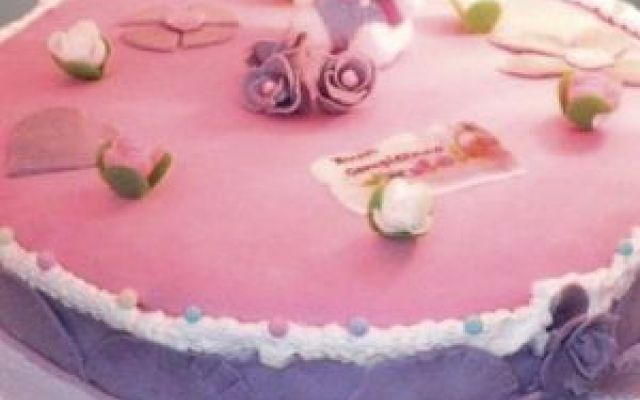 Hello Kitty Torta pasta di zucchero ripiena al cioccolaro #blog #cucina #cucinare #food #blog #food