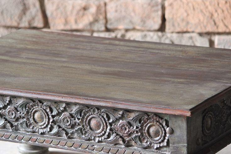 Fantastiskt, helt unikt soffbord.  Finns endast i ett enda ex och är inköpt på den indiska landsbygden, i Rajasthan.   LängdxBreddxHöjd: 107x70x47 cm