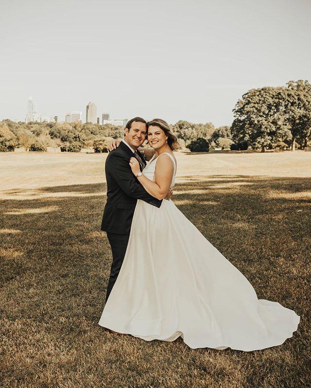 Raleigh Wedding Photographer In 2020 Raleigh Wedding Photographer Raleigh Wedding North Carolina Wedding