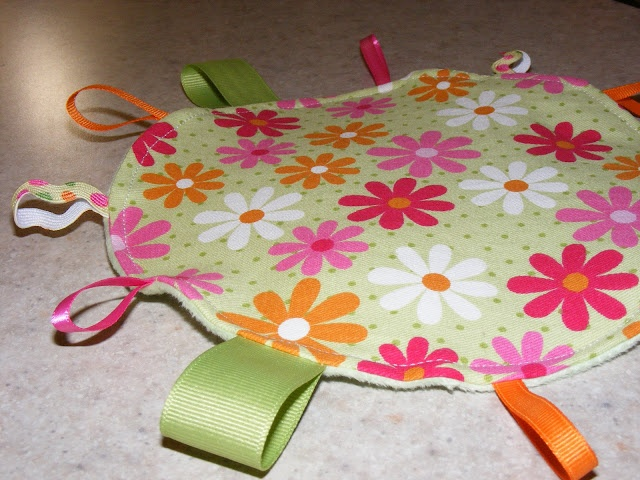 Simple Things, Sweet Life: DIY Baby Crinkle/Taggie Toy Tutorial
