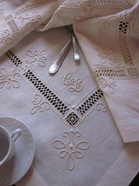 Mabtel en lino blanco