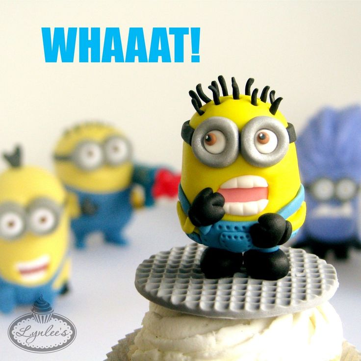 Fondant Minion Tutorial for Craftsy - Lynlees