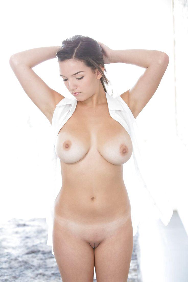 Big boobs vs small boobs camgirlsorority 7