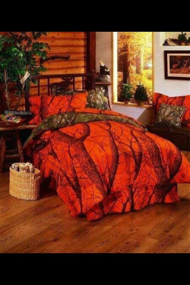 Orange camo bedding set, this would always brighten my days!