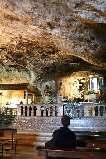 UNESCO The Grotto, Monte Sant'Angelo, Puglia Italy vito maurogiovanni tour guide services INFOMAIL: vito_maurogiovanni01@libero.it infotel: 00393498553678