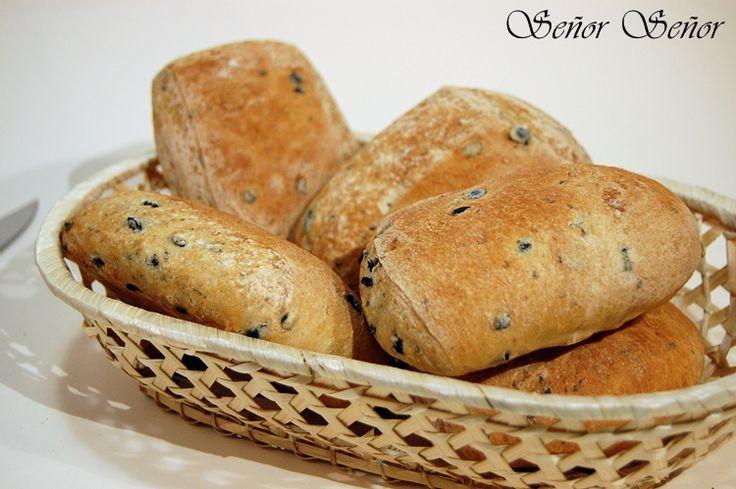De vez en cuando hago alguna receta de pan pero nunca me habían salido bien del todo y si no está perfecta la receta no la subo porque me gusta compartir cosas que realmente salen bien. Hacer el p…