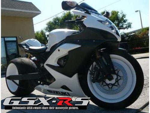 2006 GSXR 1000   Black & White
