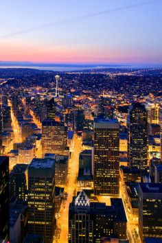 Columbia Center Sky View Observatory in Seattle, Washington gives you a complete view of the city.