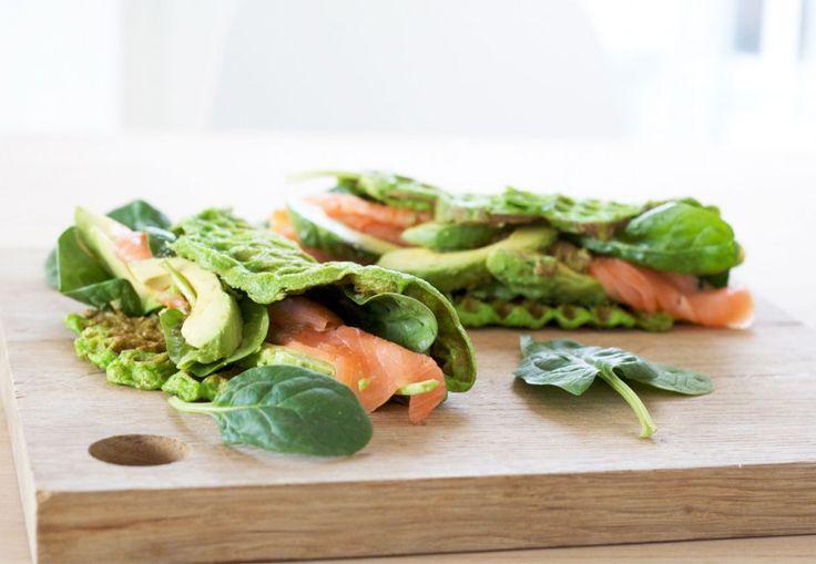 sunde-vafler-med-laks-avocado