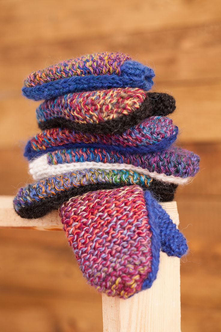 Lawina mittens made from carefully selected luxury yarns. http://lawinaknit.com/