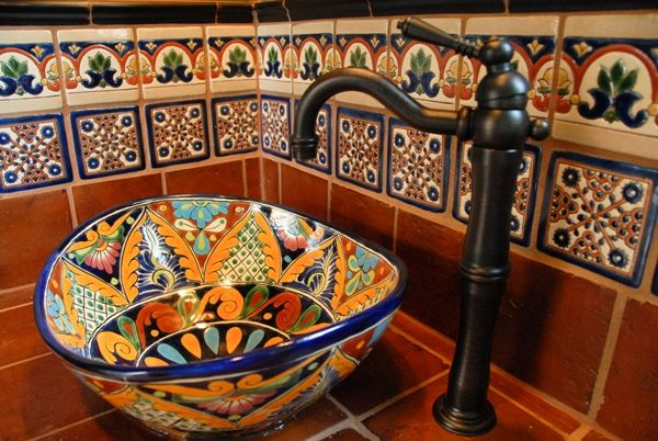 Alhambra Alcala 2 4in. border with Demask B/TC 4in. with Saltillo Counter-top & Talavera Wave Sink