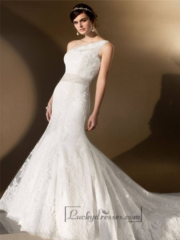 Elegant Asymmetrical One-shoulder Trumpet Lace Wedding Dresses Sale On LuckyDresses.com With Top Quality And Discount
