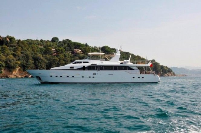 Motor Yacht Moonraker II Offers Special Reduced Rate