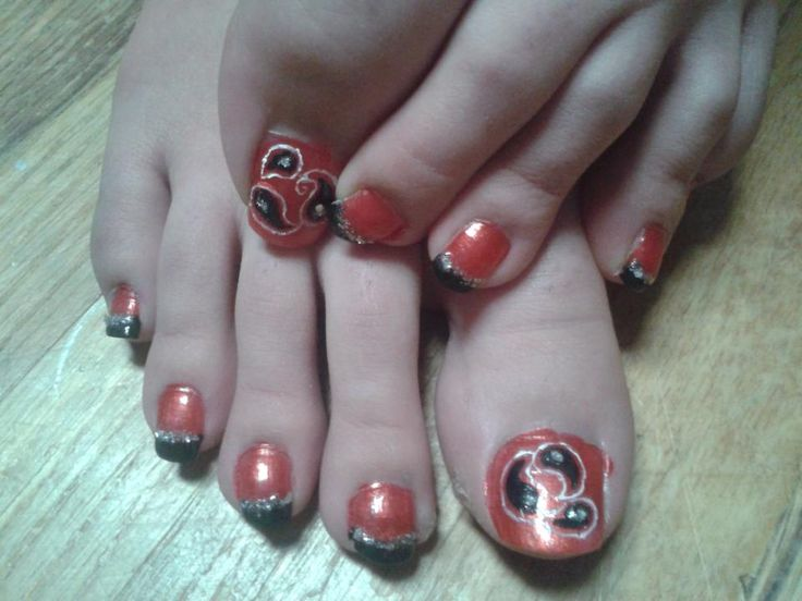 Cousin's Grad nails