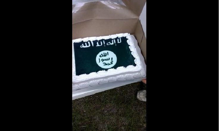 A Louisiana resident was shocked recently to learn that the retail giant Wal-Mart would not decorate a cake with a Confederate flag but had no problem producing one adorned with an ISIS battle flag.