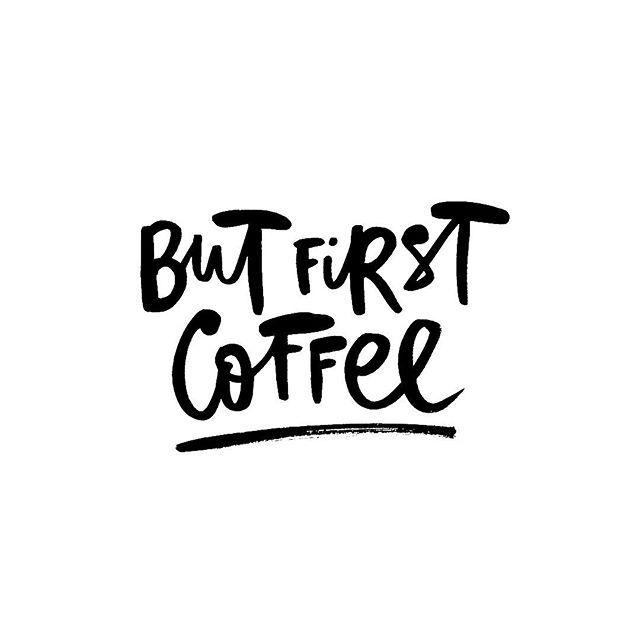 [Danke an meinen Mann] … der meinen Kaffeekonsum über die Feiertage exakt eingeschätzt hat und noch ein extra Paket unseres Lieblingskaffees mitgebracht hat. Wenn ich Kaffee gekauft hätte säße ich jetzt schlecht gelaunt und unterkoffeiniert auf dem Sofa.  Ohne Kaffee ohne mich. Denn das mit dem Nacht Schlaf findet der Mini über Weihnachten irgendwie noch überschätzter als sonst.  Heute geht es für uns nach Duisburg zu meiner Familie und zu meiner Oma – ich freue mich schon riesig! Lustig wird es mit vier robbenden krabbelnden laufenden und tobenden Kindern auf jeden Fall.  Was macht ihr heute? . . . #kaffee #kaffeezeit #coffeeisalwaysagoodidea #coffeejunkie #butfirstcoffee #nocoffeenotalkie #coffeelover #kaffeeliebe #coffeetime #coffeeholic #coffeeoclock  #halloweihnachtszeit #advent  #weihnachten #weihnachtszeit #christmasfeeling #adventadvent #thistimeoftheyear #holidaysarecoming  #weihnachten2018  #liebstejahreszeit