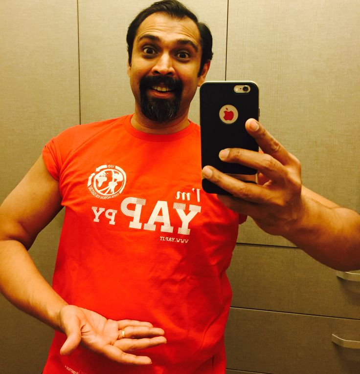 Rakesh Soans, President of our partner organisation FSL India, is wearing YAPpy Tshirt too! :)