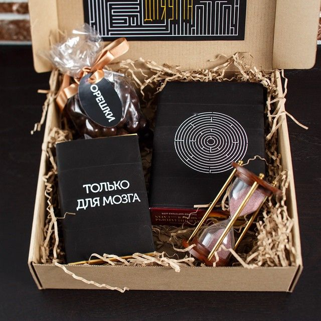 Подарочные наборы, подарок мужчине Корпоративный подарок Набор «Сила мысли»⏳ 〰 Содержание подарка: Песочные часы⏳ Головоломка Игра карточная «Колонизаторы» Орешки в шоколаде Подарочная крафтовая коробка 〰 Возможна персонализация подарка (нанесение Вашего логотипа), изготовление его в корпоративных цветах. Содержание подарочного набора может быть скорректированно в соответствии с Вашими пожеланиями. 〰 тел.: +7(495)643 4020 WWW.BEST-PODAROK.COM... #подарок#корпор...