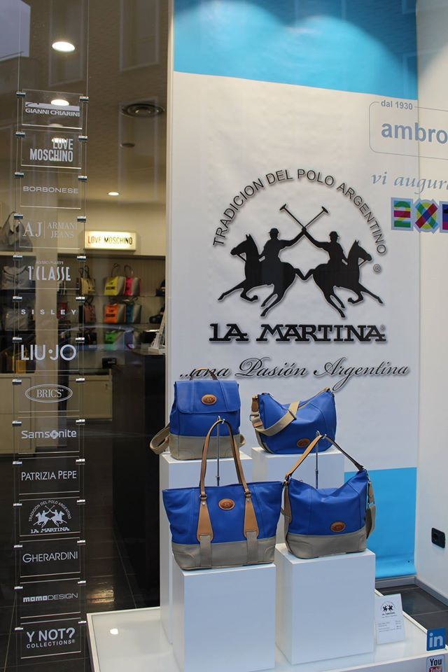 La Martina bags in Valigeria Ambrosetti Varese. Shop on valigeriaambrosetti.it