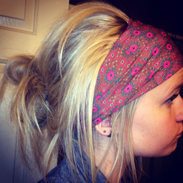 #headband #messybun so cute for hiking or rock climbing!
