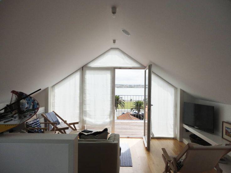 Sala de estar : Salas de estar ecléticas por GAAPE - ARQUITECTURA, PLANEAMENTO E ENGENHARIA, LDA